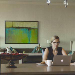 Working Mom? 3 Ways To Efficiently Balance Work And Home Life