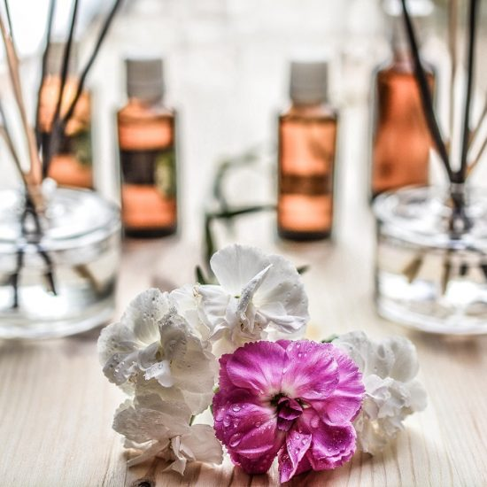 4 Reasons Why You Shouldn't Rely Completely On Essential Oils